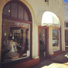 How awesome is our new awning?? It's a gorgeous day to frolic in @paseoartsdistrict! #betsykingshoes #betsyandmarla #marlacookhats #paseoartsdistrict #thatsdarling