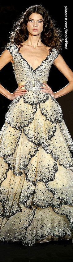 Zuhair Murad - Haute Couture. Very 1940s Christian Dior.