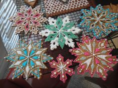 With the tree up and the mantel all trimmed, I couldn& wait any longer to bake& the snowflake cookies. I loved making these co. Christmas Snowflakes, Christmas Cookies, Snowflake Cookies, Cookie Icing, Cookie Decorating, Gingerbread Cookies, Christmas Decorations, Sparkle, How To Make