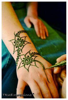 From the desk of Khadija #Henna: Finding Yourself #hennasooq http://hennablogspot.com/henna-finding-yourself/