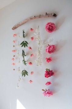 DIY Flower Wall Hanging is part of Room Decor DIY Flowers - How to make a flower wall hanging with faux flowers to celebrate Valentine's Day or Spring Can be made using materials you already have! Rustic Walls, Rustic Wall Decor, Faux Flowers, Diy Flowers, Flower Diy, Fake Flowers Decor, Sugar Flowers, Real Flowers, Floral Flowers