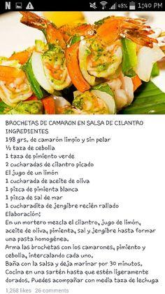 Brochetas de camaron en salsa cilantro