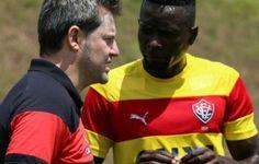 """Sem se preocupar com rivais, Kanu decreta: """"Ganhar na bola e na mão"""""""