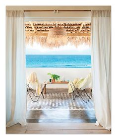 Coastal lounge