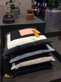 sinnerlig la nouvelle collection ikea suspension bambou vernis tress la main 49. Black Bedroom Furniture Sets. Home Design Ideas