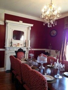 Our customer\'s elegantly decorated traditional dining room ...