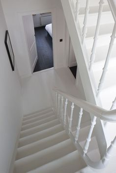 – © Liesbet Goetschalckx - New Deko Sites White Staircase, Staircase Railings, Staircase Design, White Painted Floors, Painted Floorboards, Stairs Colours, Save For House, Modern Townhouse, Hallway Inspiration