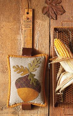 Code: ISBN: 9781683560661 Author: Kathy Cardiff Bring the allure of the outdoors inside your home year-round with 16 delightful projects from designer and gardening enthusiast Kathy Cardiff. Combine the soothing palettes of cotton taupes and wool i Hand Work Embroidery, Simple Embroidery, Wool Applique, Applique Quilts, Wool Quilts, Needle Felting, Wool Felting, Wool Pillows, Penny Rugs