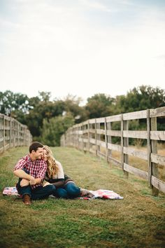 Rustic Country Engagement Photos - Trendy Groom Wedding Blog