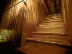Stairs that go no where to confuse the spirits. The Winchester Mystery House in San Jose, California, was built by Sarah L. Winchester, widow of the famous gun maker. Winchester Mystery House, Winchester Homes, Winchester Rifle, Stairs And Doors, House Stairs, Panic Rooms, Most Haunted Places, Spooky Places, Haunted Mansion
