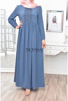 Hijab Dress Party, Hijab Style Dress, Modest Fashion Hijab, Frock Fashion, Abaya Fashion, Skirt Fashion, Fashion Dresses, Hijab Outfit, Mode Abaya