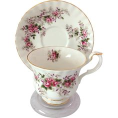 You'll recognize the prized Royal Albert quality in this Lavender Rose Fine Bone China Teacup and Saucer. The Lavender Rose pattern has sprays of