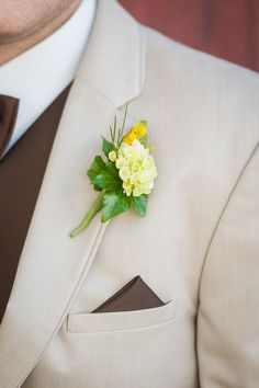 groom boutonniere #groomsboutonniere @weddingchicks