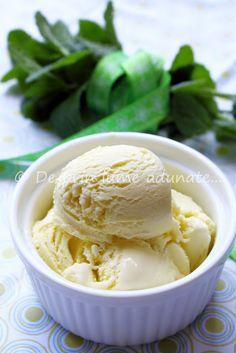 De prin lume adunate...: Inghetata de menta/ Mint Ice Cream Mint Plants, Mint Ice Cream, I Foods, Frozen, Sweets, Desserts, Drinks, Tailgate Desserts, Drinking