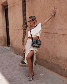 summer uniform ⭐️ #Dior30Montaigne #Dior Dior Handbags, Style Guides, Poses, Style Inspiration, Outfit, Womens Fashion, Summer, Clothes, Instagram