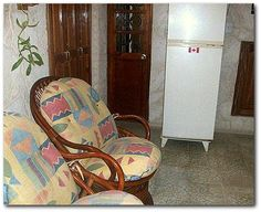 Zona de estar. Cuba, Chair, Furniture, Home Decor, Havana, Apartments, Decoration Home, Room Decor, Home Furnishings