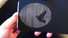 Animated optical illusion card (kinegram) by Catalin Garbulet Art Optical, Optical Illusions, Paper Origami Flowers, Paper Art, Paper Crafts, Bussiness Card, Dog Cards, Animation, Art Graphique