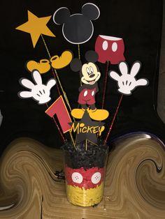 Mickey Mouse centerpiece 1st Birthday ideas #cricut