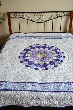Longarm quilting by Jana Beckova - Feather & Meander Longarm Quilting, Feather, Kids Rugs, Quilts, Home Decor, Scrappy Quilts, Homemade Home Decor, Quill, Comforters