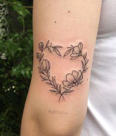 """268 curtidas, 4 comentários - Gabriela Dássio (@gabrieladassio) no Instagram: """"o coraçãozinho de flores da Bá, que acabou de fazer 18 aninhos e já tá tatuada! Hahaha valeu…"""""""