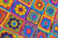 Knotty Knotty Crochet: bright flower afghan FREE PATTERN!