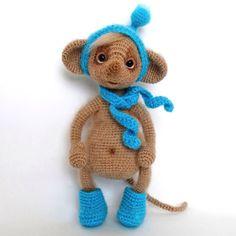 Воскресенье! Ура! Что-то я немножко замоталась и совсем забыла показать вам Тишеньку в валенках и в полный рост а ведь он такой сладкий карапуз) Связан по описанию Ирочки Петровской. #лера_вяжет #амигуруми #amigurumi #hobby #handmade #handmade_nation #crochet #cute #crochettoy #toys #knitting #вязание #вяжутнетолькобабушки #сделаноруками #интересное #magcrafts_ishow #mysolutionforlife #рукоделие #ручнаяработа #weamiguru #instacrochet #ярмаркамастеров #мышонок #мышь  #livemaster #craft…