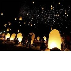 sky lanterns...I wanna do this! Maybe next anniversary with the family :)