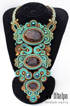 Soutache Necklace, Shibori, Beaded Embroidery, Wearable Art, Jewelry Design, Necklaces, Style Inspiration, Jewels, Beads