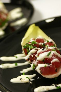 Tuna Tartare in Endive with Horseradish Sauce // Cooking Light Sauce Recipes, Fish Recipes, Seafood Recipes, Appetizer Recipes, Great Recipes, Cooking Recipes, Favorite Recipes, Endive Appetizers, Yummy Recipes
