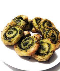 A Profound Hatred of Meat: Spinach & Basil Pesto Pinwheels Vegan Foods, Vegan Snacks, Vegan Dishes, Vegan Meals, Vegan Appetizers, Appetizer Recipes, Appetizer Ideas, Vegetarian Recipes, Cooking Recipes