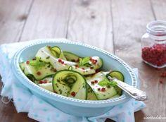 Zucchine marinate al pepe rosa Cucumber, Watermelon, Pizza, Menu, Fruit, Vegetables, Cooking, Vegetarian, Pink