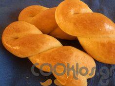 Εύκολα κουλουράκια πορτοκαλιού ΥΛΙΚΑ - ΔΙΑΔΙΚΑΣΙΑ Υλικά συνταγής1 ποτήρι ζάχαρη 1 ποτήρι σπορέλαιο 1 ποτήρι φυσικός χυμός πορτοκάλι 1 κ. Bagel, Bread, Cookies, Food, Biscuits, Meal, Essen, Hoods, Cookie Recipes