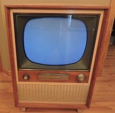Vintage-Blonde-RCA-Victor-Console-Tube-TV-Model-21-5-522N-Working