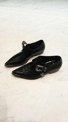 ☆ Saint Laurent Negro hebilla occidental zapatos de cuero