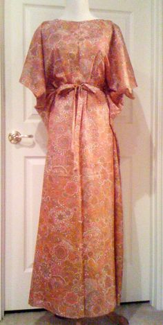30 Minute 4 Seam Caftan - This free dress pattern for sewing is a long dress DIY that is a the perfect summer wardrobe idea for cold nights. Clothes Crafts, Sewing Clothes, Fashion Sewing, Diy Fashion, Sewing Patterns Free, Dress Patterns, Make Your Own Clothes, Dress Tutorials, Diy Dress