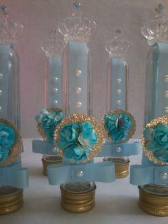 Tubetes personalizados - festa Cinderela  Pode ser usado como lembrancinha e como decoração de mesa.    Com celofane e tag + R$ 0,50    Não acompanha guloseimas.    IMPOPRTANTE!! Antes de realizar seu pedido, verifique a disponibilidade de vaga na agenda. ( contatar vendedor)