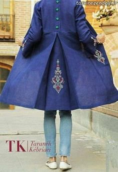 Coat and Jacket Love! Abaya Fashion, Muslim Fashion, Women's Fashion Dresses, Casual Dresses, Girl Fashion, Fashion Design, Kurti Designs Party Wear, Kurta Designs, Blouse Designs