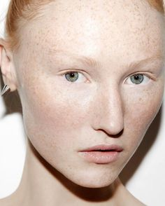 Professional makeup artist Robin Black names Dr. Hauschka one of her favorite natural skin care lines.