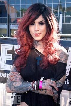 I really like Kat Von D Tattoed Girls, Inked Girls, Hot Tattoos, Girl Tattoos, Tatoos, Tattoo Tradicional, Kat D, Kat Von D Tattoos, Piercings