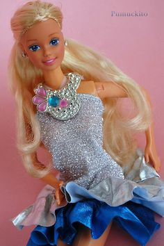 Jewel Secrets Barbie (1986) i don't remember the outfit, but i definitely…