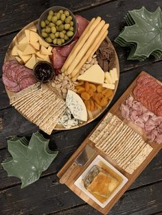 Creating the Perfect Charcuterie Board Appetizer Plates, Appetizer Dips, Best Appetizers, Pesto Potatoes, Specialty Meats, Meat Shop, Types Of Cheese, Charcuterie Board, Serving Platters