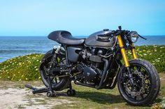 The Bullitt Triumph Bonneville Black ~ Return of the Cafe Racers