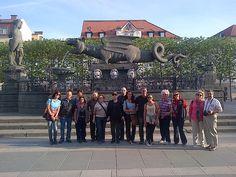 Fotografía: Guía Ana Gloria - Abril 2015 Con su grupo en el Leon de Klagenfurt Klagenfurt, Dolores Park, Travel, Group Photos, Trips, Viajes, Traveling, Outdoor Travel, Tourism