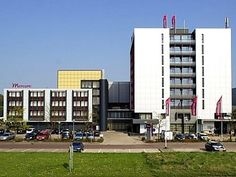 Groningen Mercure Hotel Groningen Martiniplaza Netherlands, Europe Stop at Mercure Hotel Groningen Martiniplaza to discover the wonders of Groningen. The property features a wide range of facilities to make your stay a pleasant experience. Take advantage of the hotel's free Wi-Fi in all rooms, 24-hour front desk, car park, room service, meeting facilities. Designed for comfort, selected guestrooms offer television LCD/plasma screen, air conditioning, heating, desk, mini bar to...