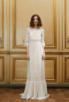 Delphine Manivet collection 2015 http://www.vogue.fr/mariage/tendances/diaporama/le-meilleur-de-la-bridal-week-automne-2015/20884/image/1108411#!delphine-manivet-collection-2015