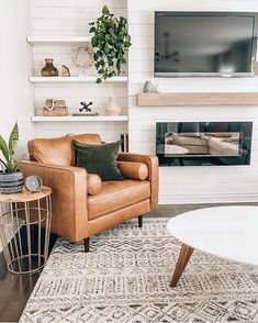 Home Living Room, Apartment Living, Living Room Designs, Living Room Decor, Brown Living Room Furniture, Modern Living Room Chairs, Comfortable Living Room Chairs, Design Lounge, Küchen Design