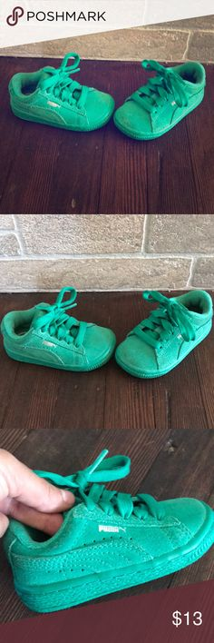 🍀 baby pumas 🍀 👟 sneakers Super cute and unisex pumas. Size 4. My toddler used them when he wasn't walking yet. Slight dirt at the top of the toes but hard to tell. Hardly worn. Puma Shoes Baby & Walker