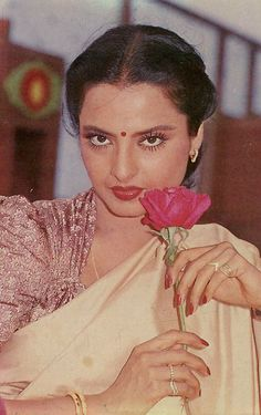 Most Beautiful Eyes, Beautiful Girl Indian, Most Beautiful Indian Actress, Vintage Bollywood, Indian Bollywood, Bollywood Stars, Beautiful Celebrities, Beautiful Actresses, Rekha Actress