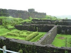 Ruins of the old palace at Raigad fort ------------------------- www.florainn.com - A Luxury #Hotel in #Nagpur