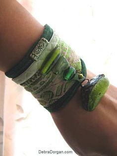 Bracelet terre vert perlé Antique de soie par AllThingsPretty, $65.00